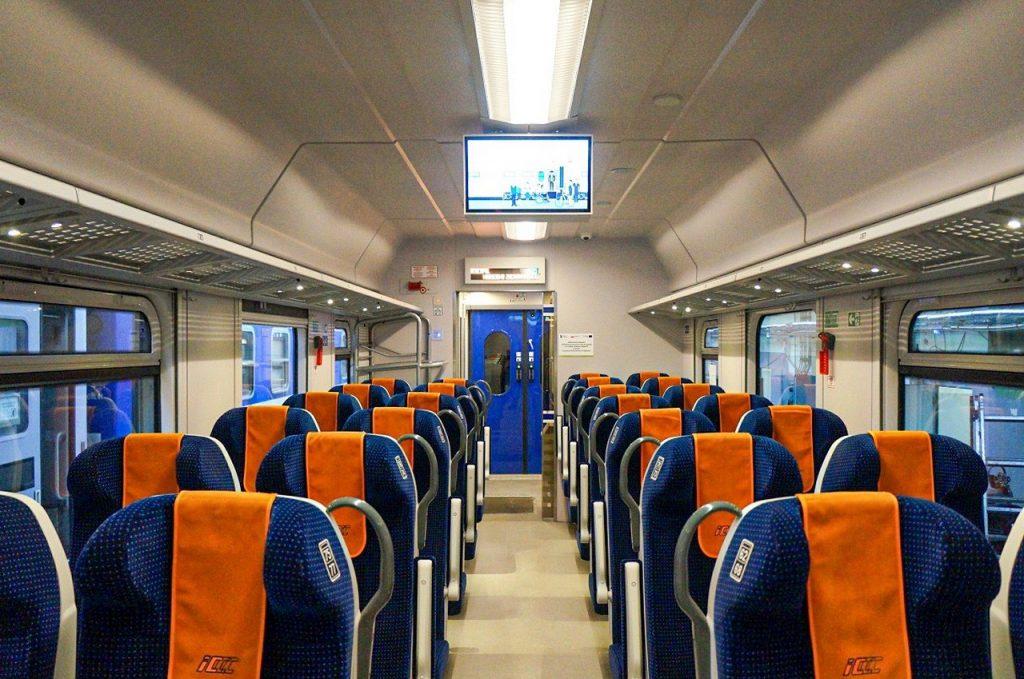 Kolejne unowocześnione wagony w barwach PKP Intercity - Poilish Magazine